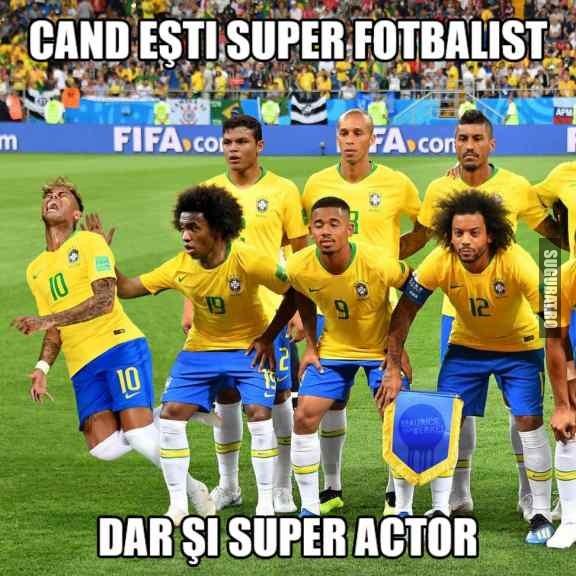 Cand esti super fotbalist, dar si super actor #Neymar