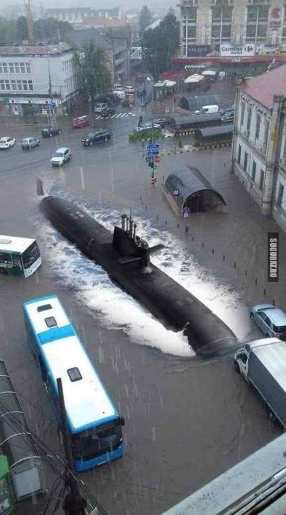 Cand submarinul parcheaza in oras #ploaie